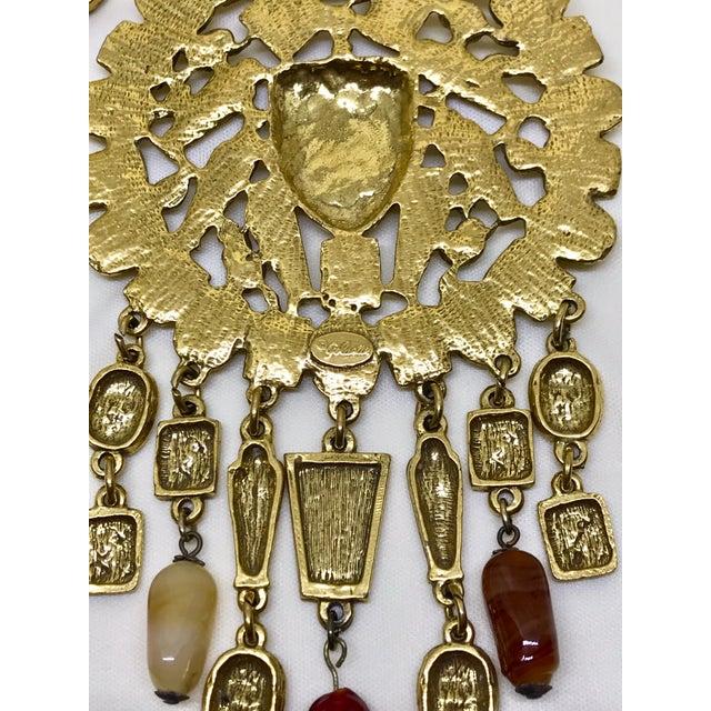 1960s 1960s Goldette Large Goldtone Egyptian Revival Necklace For Sale - Image 5 of 6