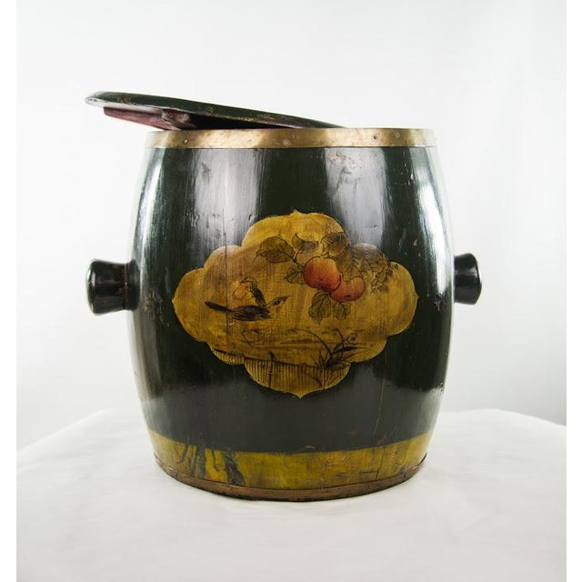 Chinese Qing Dynasty Lacquer Painted Lidded Storage Vessel For Sale - Image 4 of 7