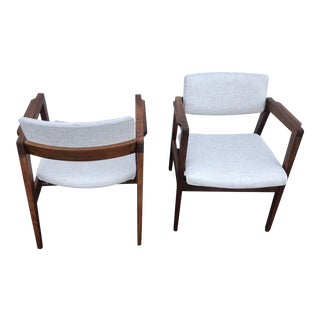 Mid Century Modern Jens Risom Style Chair by w.h. Gunlocke- A Pair For Sale