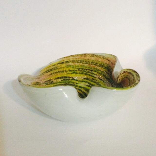 Green & White Hand-Blown Dish - Image 4 of 6