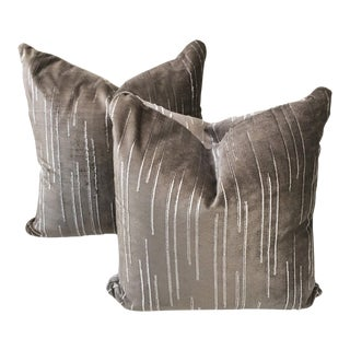 Contemporary Holly Hunt Great Plains Carlton Gray Velvet Pillows - a Pair For Sale