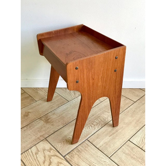 Mid-Century Modern 1960s Mid Century Modern Small Side Table Nightstand For Sale - Image 3 of 11
