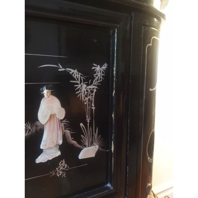 Black Regency Black Lacquer Chinoiserie Bar Cabinet For Sale - Image 8 of 10