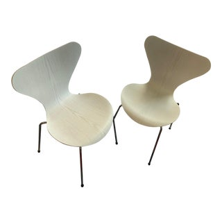 Fritz Hansen Series 7 White LazurWith Polished Chrome Base Side Chairs - A Pair For Sale