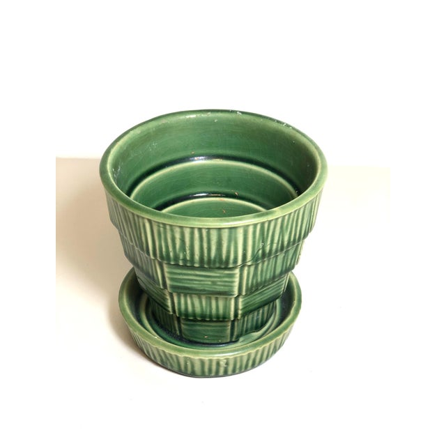 """McCoy Pottery Small """"Green"""" Mid-Century Flowerpot and Saucer For Sale In Los Angeles - Image 6 of 10"""