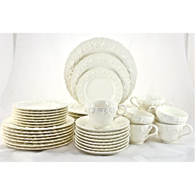 Wedgwood 1950s Wedgwood Embossed Queensware Dinner Service- 40 Pieces For Sale - Image 4 of 4