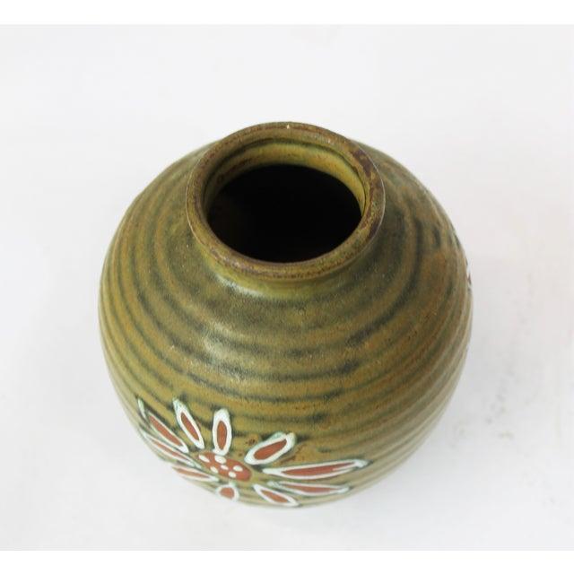 1960s Japanese Green Floral Vase - Image 3 of 4