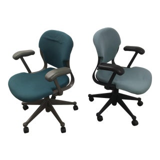 Vintage Herman Miller Molded Desk Chairs - a Pair For Sale
