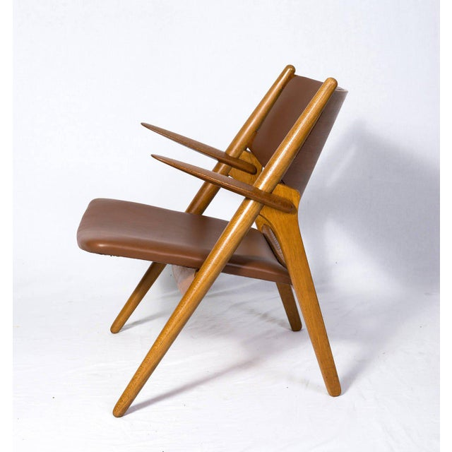 Hans Wegner CH-28 Lounge Chair For Sale - Image 4 of 10