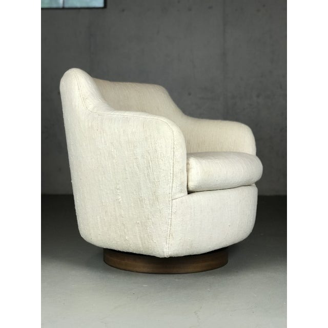 Designer Swivel and Tilt Lounge Chairs by Milo Baughman for Thayer Coggin For Sale - Image 9 of 11