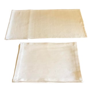 Antique Williams Sonoma Off-White Silk Dupioni Eight Placemats & Table Runner - 9 Pc. Set For Sale