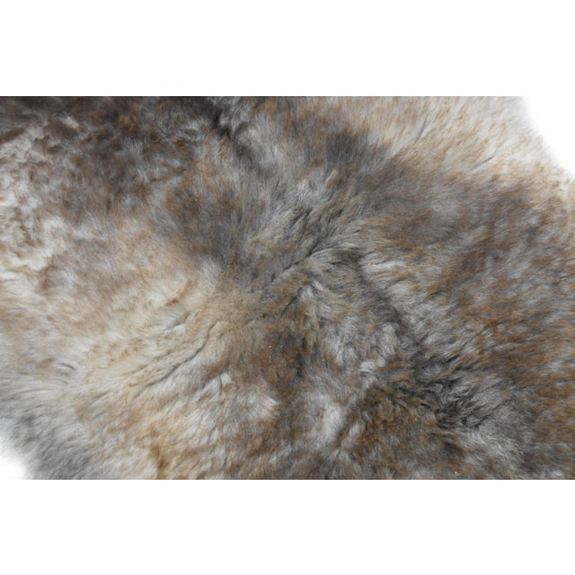 "Wool Sheepskin Pelt Handmade Rug - 2'6"" x 3'8"" - Image 5 of 8"