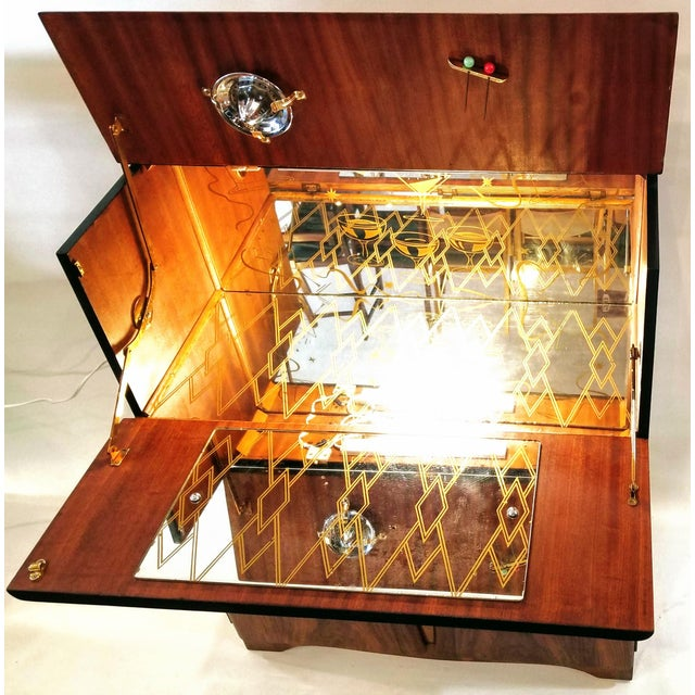 Art Deco Light Up Cocktail Cabinet in English Walnut With Patterned Glass Interior For Sale In San Diego - Image 6 of 10