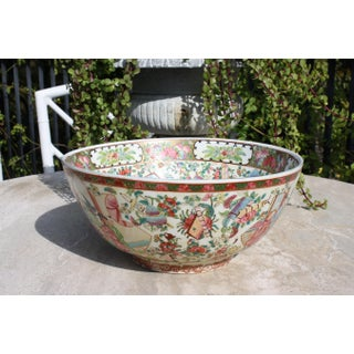 Vintage Chinoiserie Style Rose Mandarin / Rose Medallion Center Bowl /Punch Bowl Preview