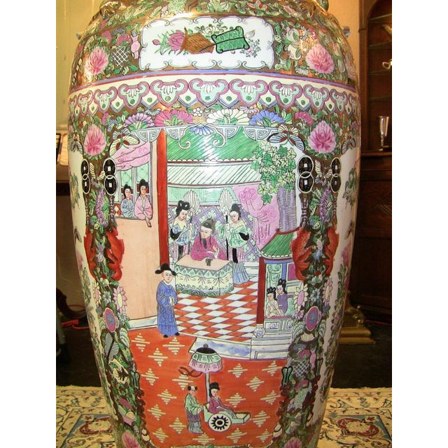 20c Chinese Cantonese Rose Medallion Famille Rose Gilted Floor Vase For Sale - Image 11 of 12