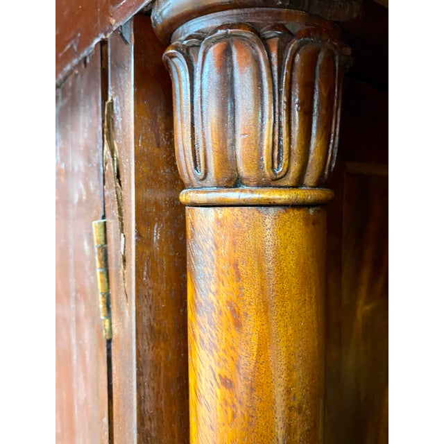 Early 19th Century English Regency Figured Mahogany Linen Press For Sale - Image 4 of 13