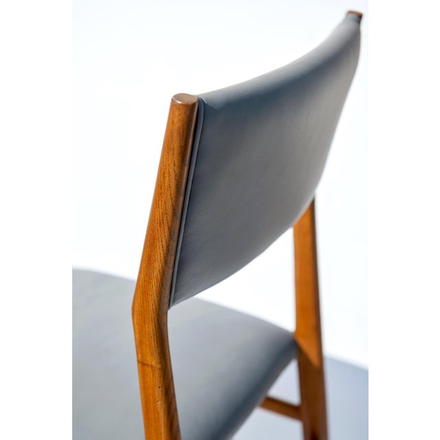 "Set of Eight ""Leggera"" Dining Chairs by Gio Ponti For Sale In Los Angeles - Image 6 of 12"