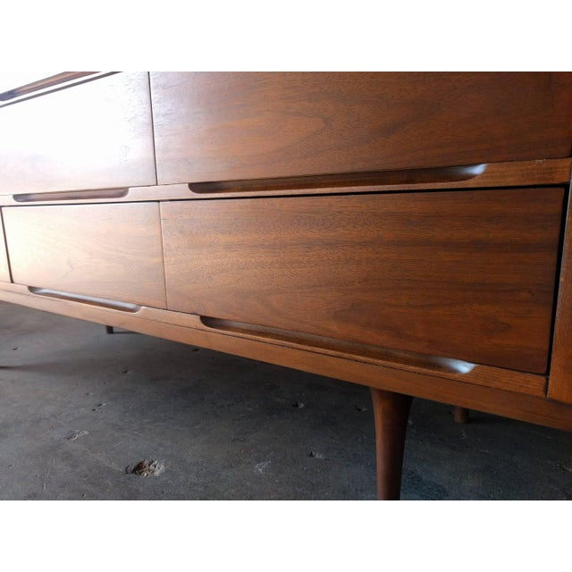 Mid-Century Walnut 9-Drawer Dresser - Image 4 of 7
