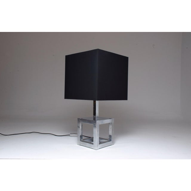 A 20th Century vintage sculptural square table lamp in chrome by italian designer Willy Rizzo for Luma circa 1970's. In...