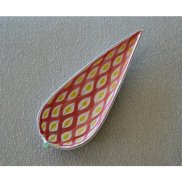 Original Scandinavian Modern faience decorative ceramic catchall, pottery by Stig Lindberg Design for Gustavsberg. Great...