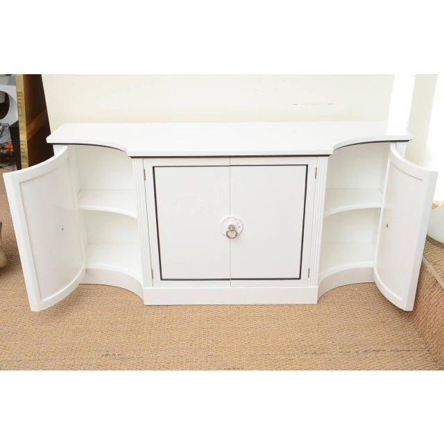 1940s Hollywood Regency Grosfeld House White Lacquered and Nickel Silver Cabinet For Sale In Miami - Image 6 of 11