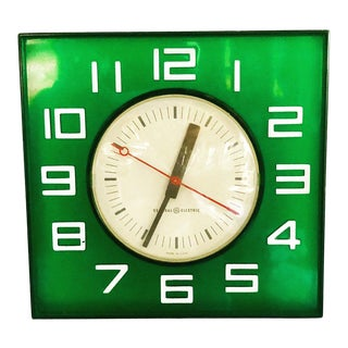 Mid-Century Moder Graphic Wallclock. For Sale