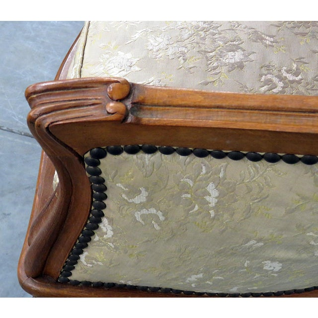 Antique Louis XV Style Settee For Sale In Philadelphia - Image 6 of 10