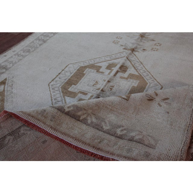 Vintage Turkish Oushak Rug - 4′4″ × 9′6″ For Sale - Image 10 of 11