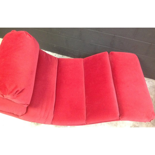 1980's Red Velvet Wave Chaise - Image 5 of 8