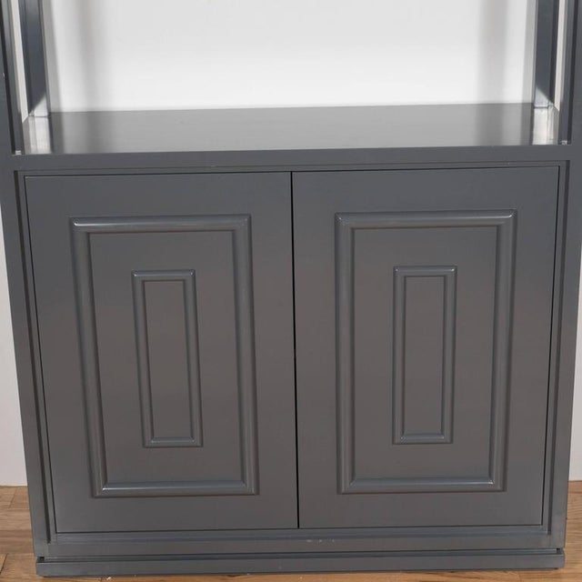 1920s Pair of Custom Bookshelves/Étagères with Cabinets in Lustrous Slate Grey Lacquer For Sale - Image 5 of 7