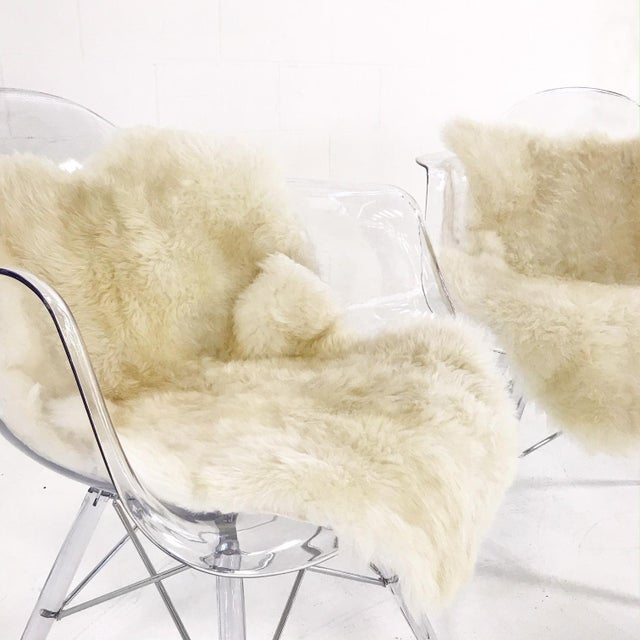 Mid-Century Style Lucite Chairs with Ivory Brazilian Sheepskin Throws - Pair For Sale - Image 4 of 7