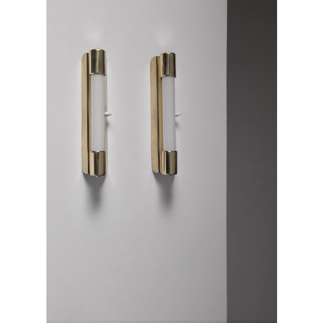 Mid-Century Modern Mauri Almari pair of wall lamps for Idman, Finland, 1950s For Sale - Image 3 of 4
