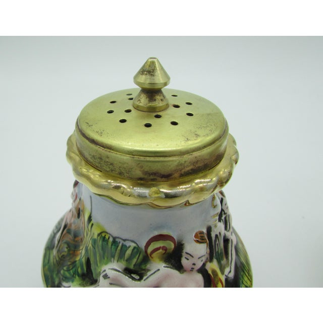 Vintage Italian Capodimonte High Relief Gold Gilded Salt Shaker & Pepper Mill For Sale In Saint Louis - Image 6 of 8