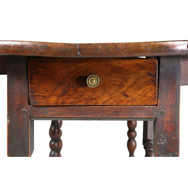 English Traditional William and Mary Fruitwood Gateleg Table For Sale - Image 3 of 8
