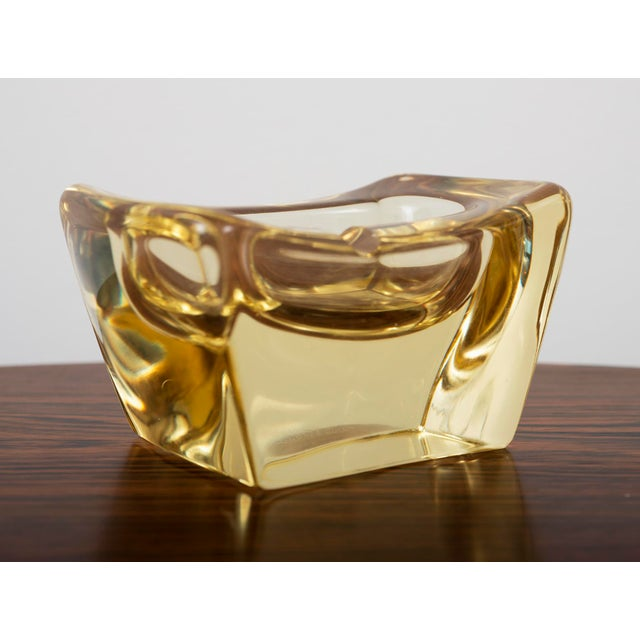 Striking, thick crystal ashtray in a rare yellow by Daum, France 1950's.