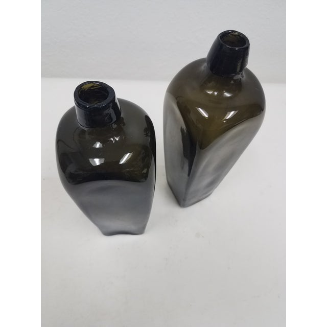 Antique English Pair of Green Bottles For Sale - Image 4 of 10