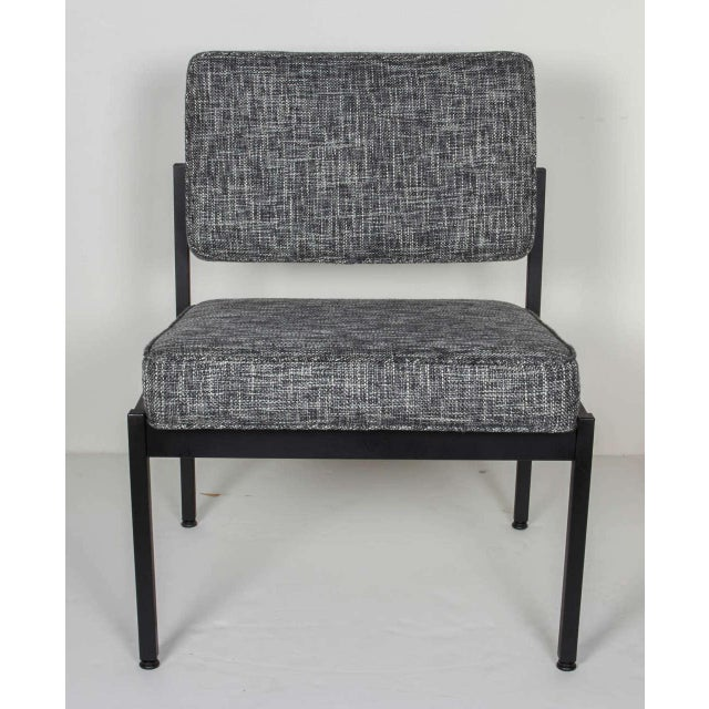 Pair of Mid-Century Modern Easy Chairs in the Style of Florence Knoll For Sale - Image 4 of 8