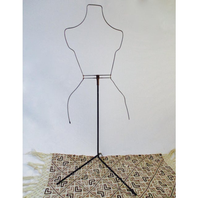Modernist Abstract Industrial Wire Mannequin Form on Stand For Sale - Image 5 of 11