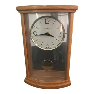 1980s Howard Miller Oak Clock With Brass Pendleton Off-White Dial Works Great For Sale