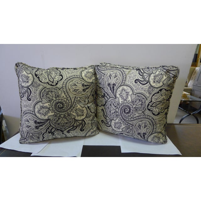 """Pair of cotten black and white pillows paisley pattern. Foam & down filling (no zippers). The box is approximately 2.5""""..."""