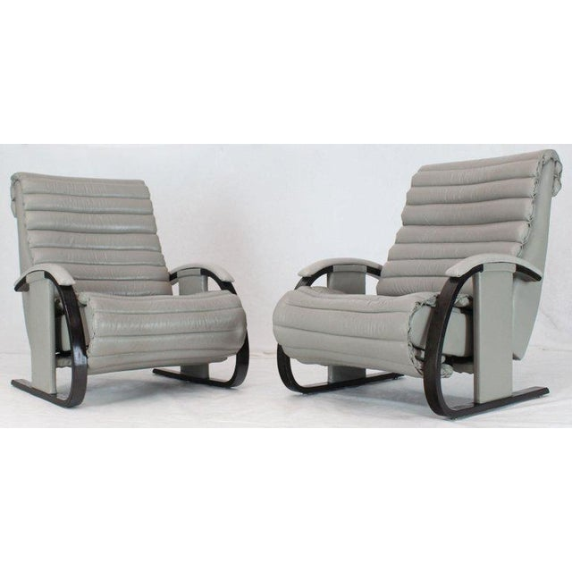 Lovely Pair Of Leather Ribbed Upholstery Reclining Lounge
