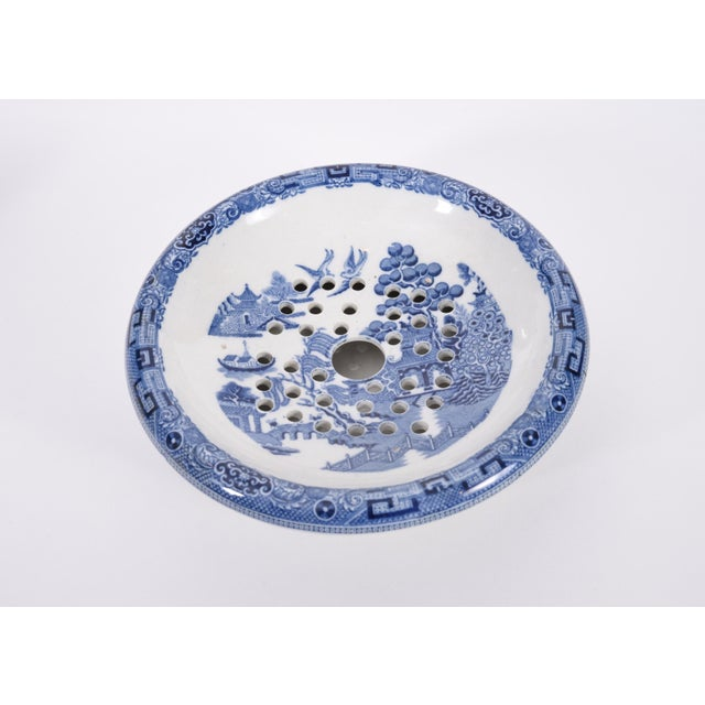 Wedgwood England Porcelain Dinnerware - 5 Piece Set For Sale In New York - Image 6 of 12