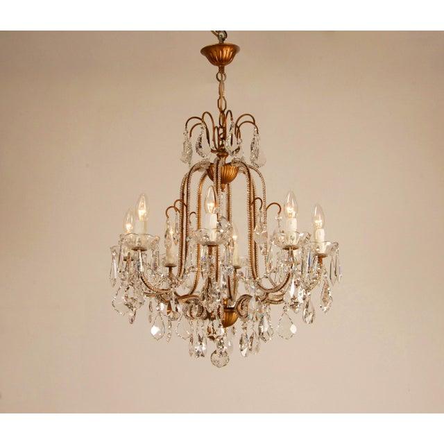 Baroque 1970s Mid-Century Hollywood Regency Italian Design Crystal Beaded Chandelier For Sale - Image 3 of 13