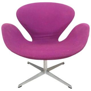 "1960s Vintage Original Arne Jacobsen ""Swan"" Chair No. 7105 for Fritz Hansen For Sale"