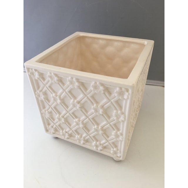 White ceramic planter with lattice detail. Made by Fitz and Floyd. MAde in the 1970s in the style of Hollywood Regency
