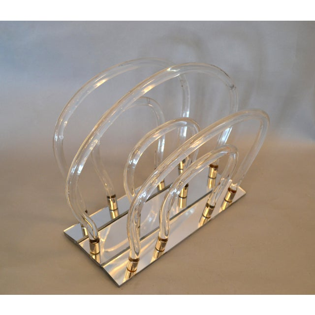 Dorothy Thorpe Mid-Century Modern Magazine Rack Mirrored Glass, Lucite & Chrome For Sale In Miami - Image 6 of 12