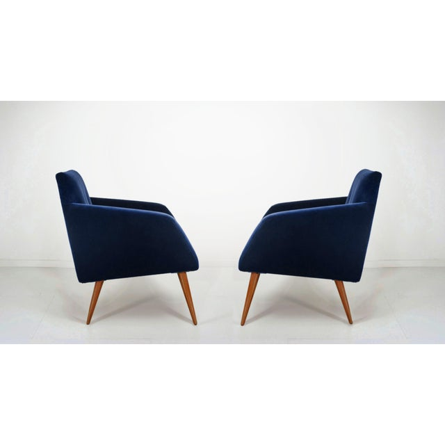Billy Baldwin Italian Style Mid-Century Occasional Chairs in Plush Indigo Velvet- a Pair For Sale - Image 4 of 4