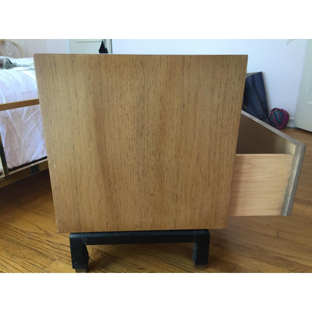 Asian 1960s Mid Century Modern American of Martinsville Nightstand For Sale - Image 3 of 12