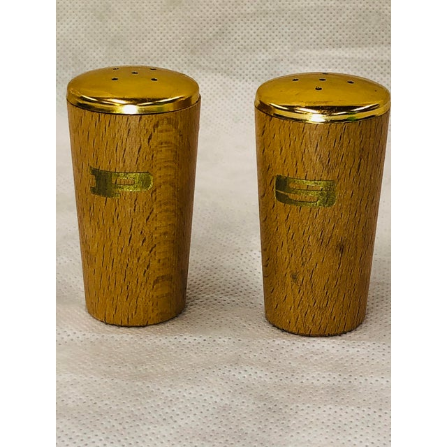 Mid Century Salt and Pepper Shakers - a Pair For Sale - Image 4 of 6