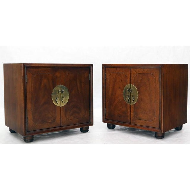 Henredon Pair of Mid-Century Modern Two Doors Nightstands by Henredon For Sale - Image 4 of 12